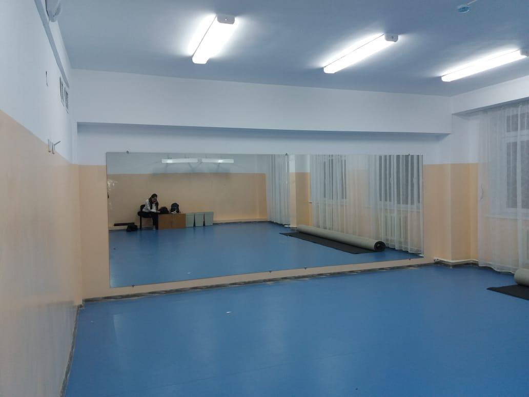 Зеркало в хореографический зал