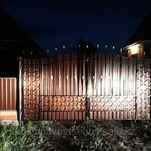 Даже ночью наши ворота выглядят эффектно
