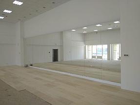 Установка зеркала в хореографическом зале  5