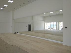 Установка зеркала в хореографическом зале  7