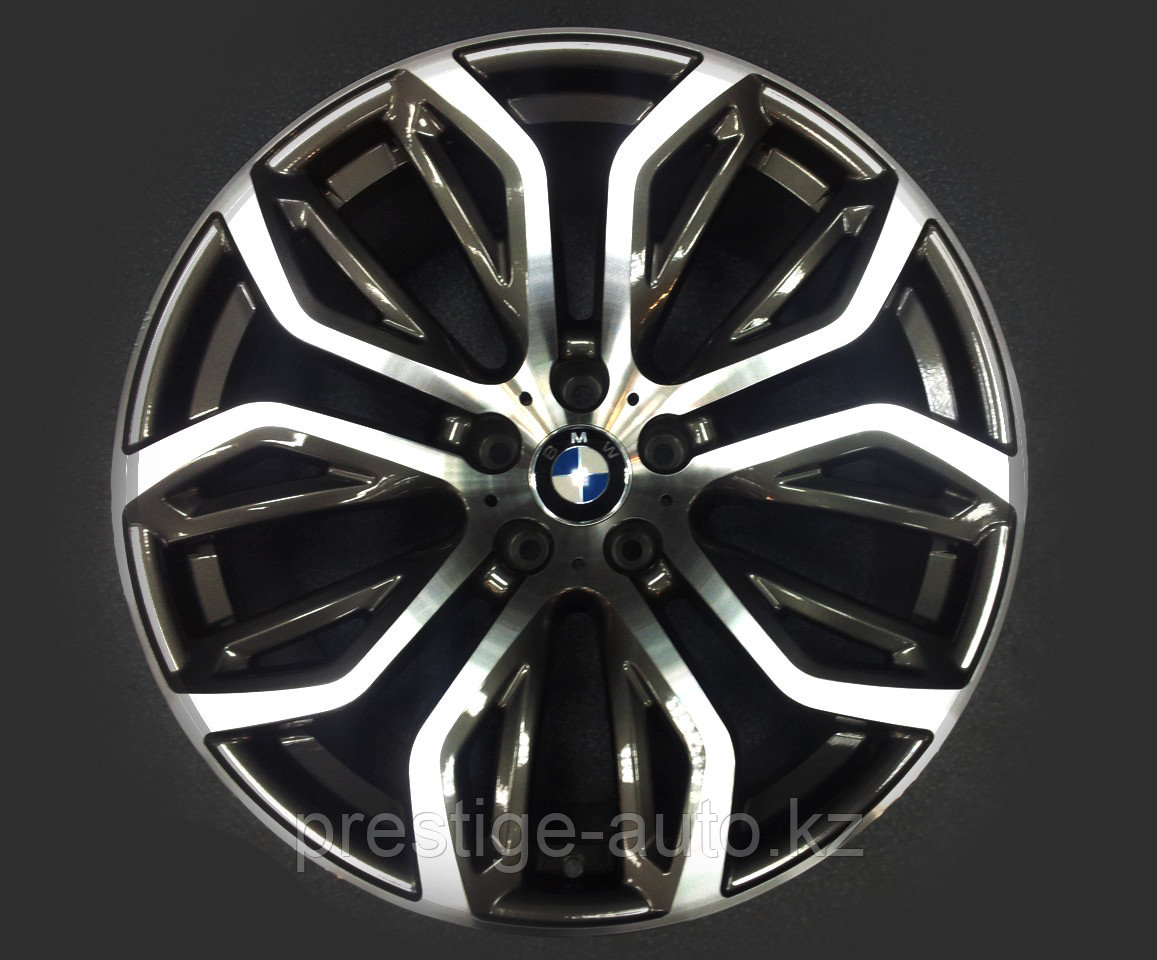 Диски разноразмерные M-Performance R20 на BMW X5/X6 (E70/E71)