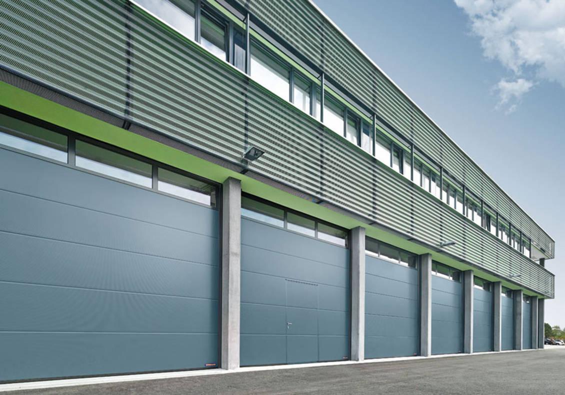 Автоматические промышленные секционные ворота Hörmann