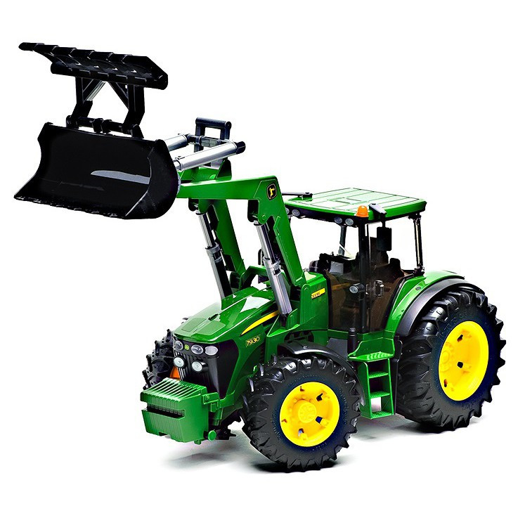 Трактор John Deere 7930 с ковшом