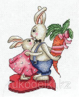 """Набор для вышивания крестом """"Зайки. Любовь - морковь"""""""