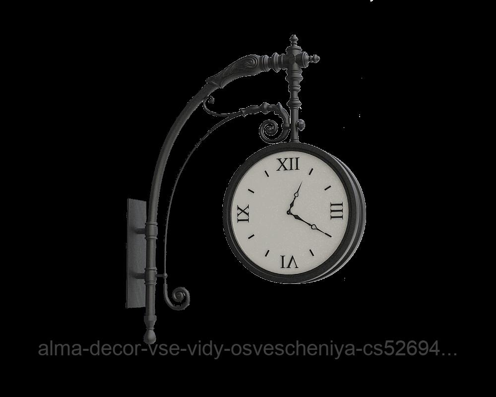 Часы на кронштейне Варшава