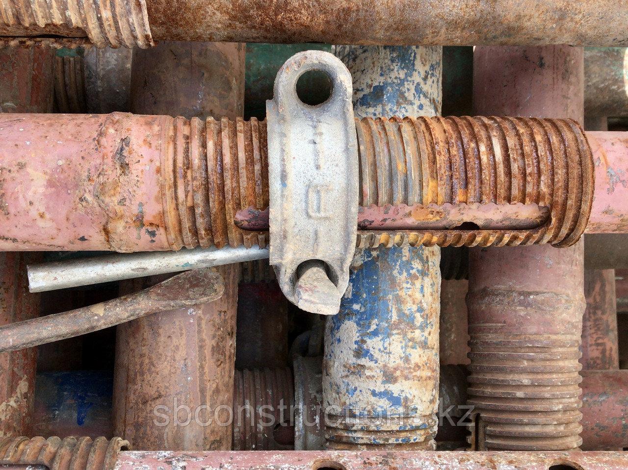 Стойка телескопическая для опалубки перекрытия (струбцина, домкрат)