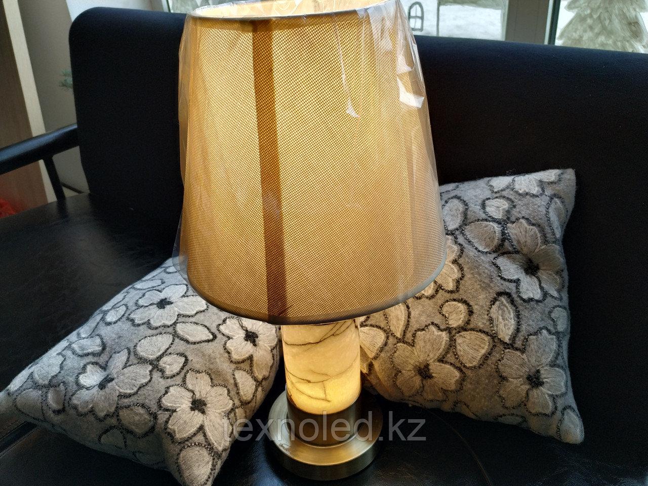 Настольная лампа  Henna