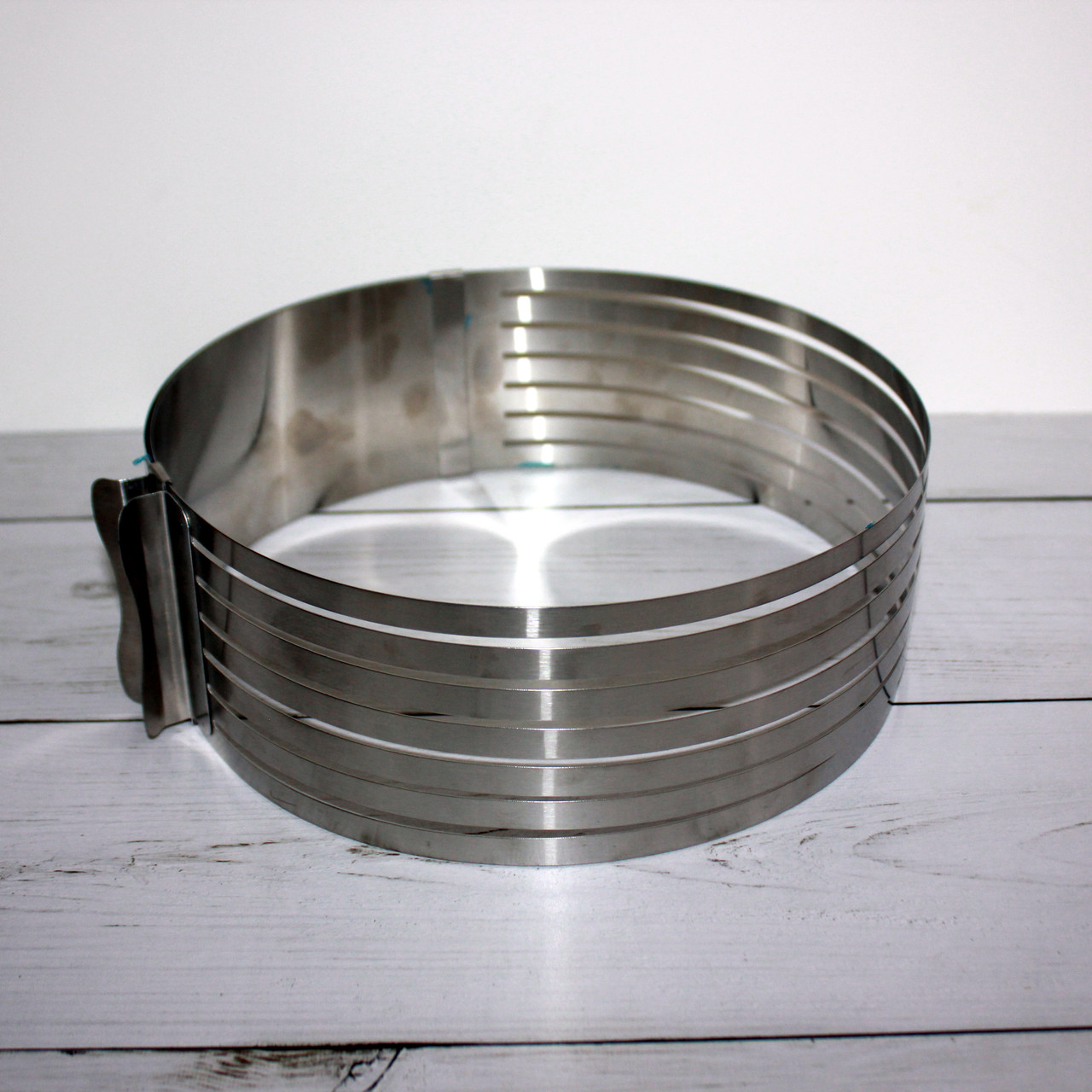 Форма для выпечки и нарезки бисквита с регулируемым диаметром (240-300 мм)