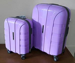 """Пластиковый чемодан на колесах средний  """" Aotian """" светло-фиолетового цвета"""