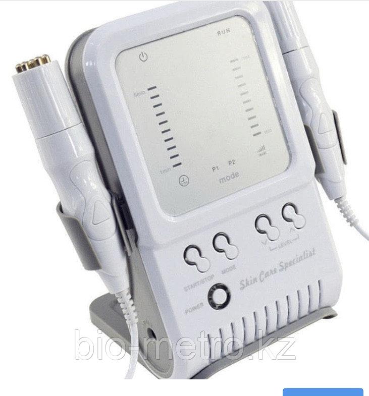 Косметологический Аппарат для радиочастотного лифтинга и неинвазивной мезотерапии.