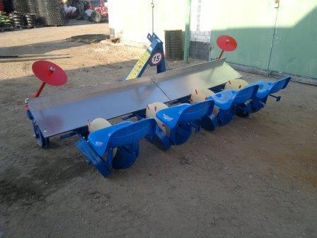 Рассадопосадочная машина Польша Agromax 4х рядная