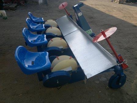 Рассадопосадочная машина Польша Agromax 4х рядная, фото 2