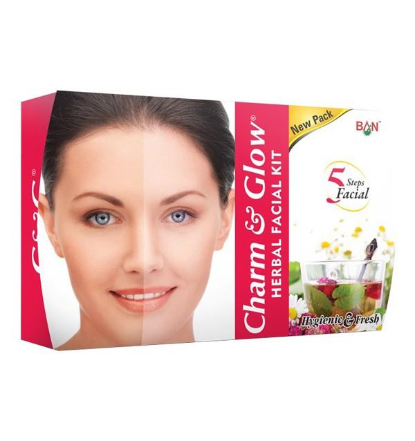 Набор по уходу за лицом Charm & Glow Herbal Facial Kit