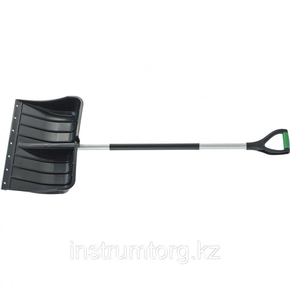 Лопата для уборки снега пластиковая, 540х375х1520 мм, стальной черенок,стальная планка// Palisad