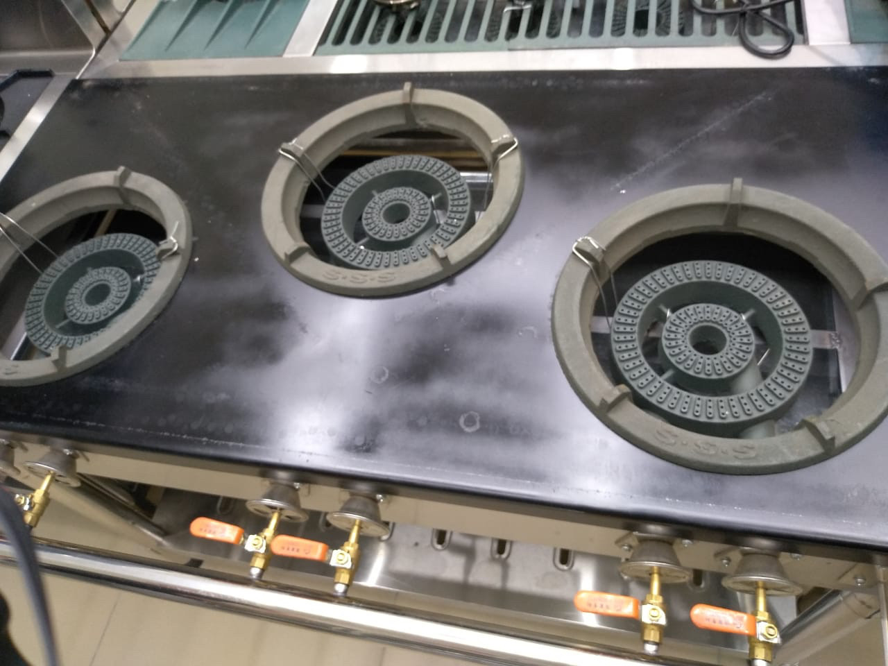 Профессиональная газовая плита