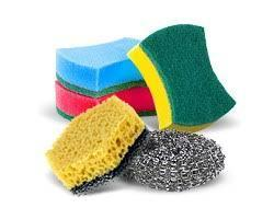 Губки, салфетки, скребки, тряпки для уборки.