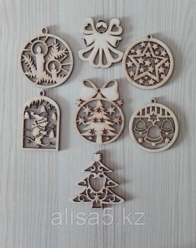 Новогодние украшения игрушки деревянные, шт.