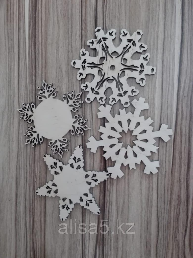 Снежинки деревянные, шт.
