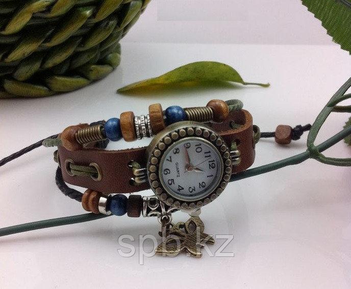 Часы женские винтажные с украшением