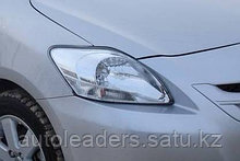 Фара правая Toyota Yaris седан 2005-2010 араб