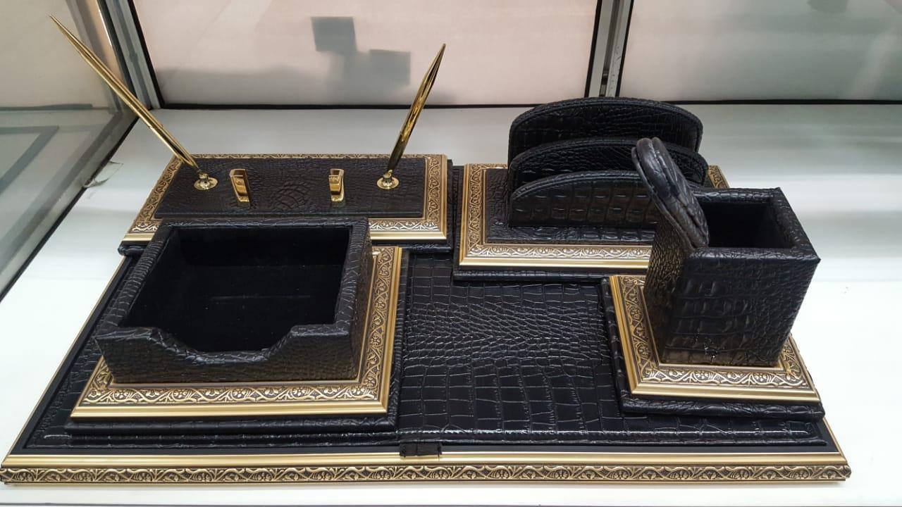 Набор настольный 7 предметов, темно-коричневый, кожа, отделка золотом, Grand