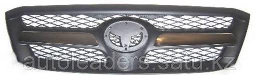 Решетка радиатора Toyota Hilux 2005-2008