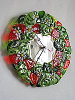 """Часы """"Клубничка"""", выполненые в технике фьюзинг, фото 1"""