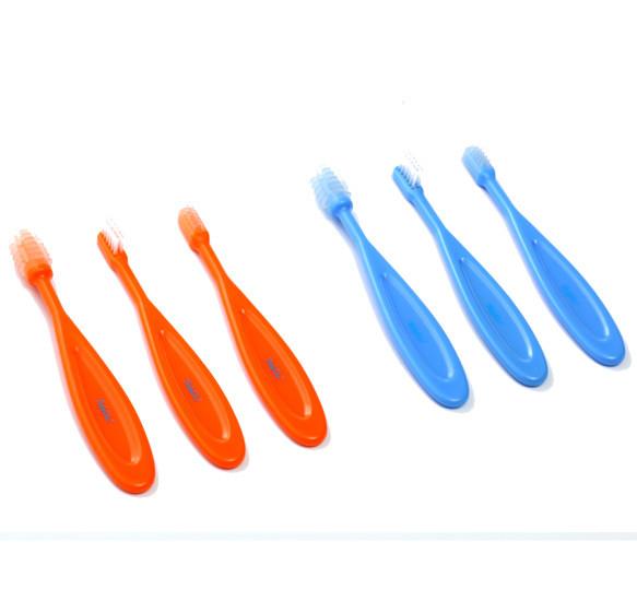 Набор щеток (3 разных щетки для зубов и десен)