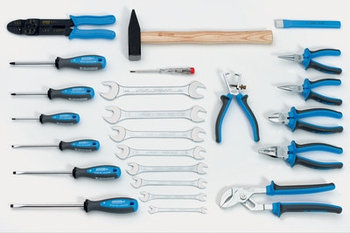 Набор инструментов (24 предмета) в сумке из искусственной кожи 910/1