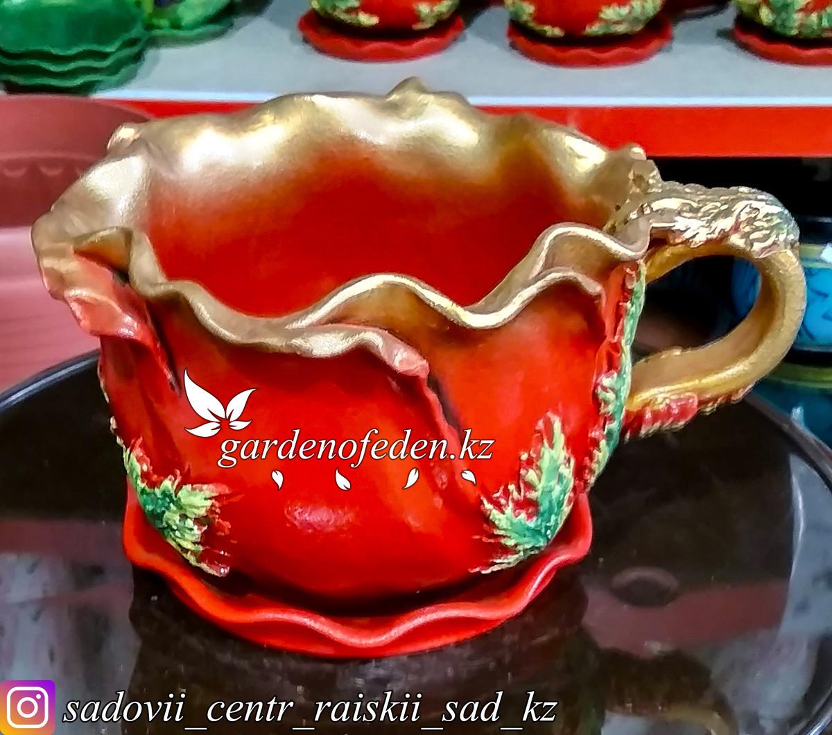 Горшок керамический, декоративный (чашка). Объем: 0.5л. Цвет: Красный с золотом, узор-листочки.
