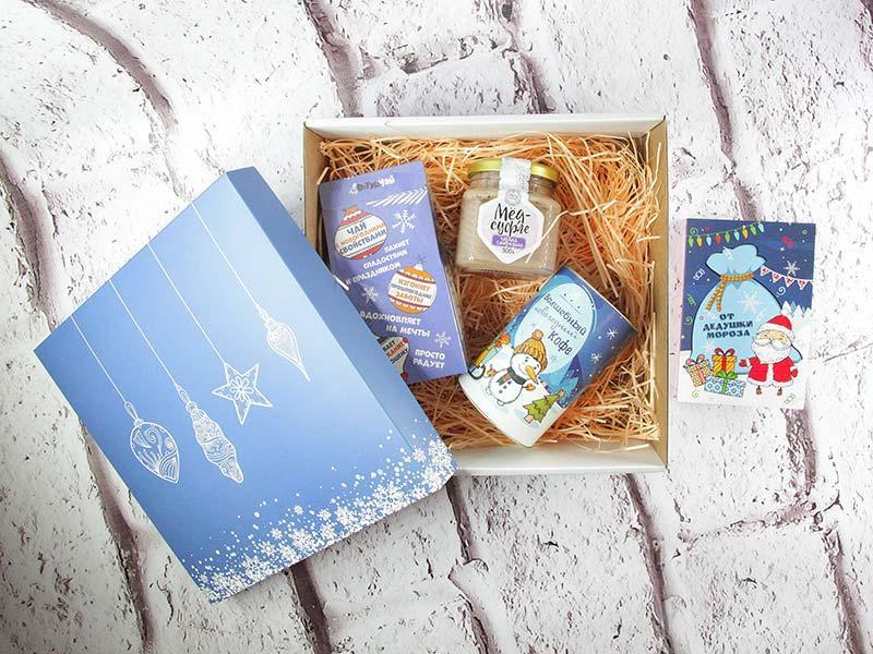 """Подарок """"Новогодний"""" с чаем и кофе"""