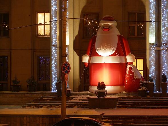 Большая надувная фигура Дед Мороз 10 м