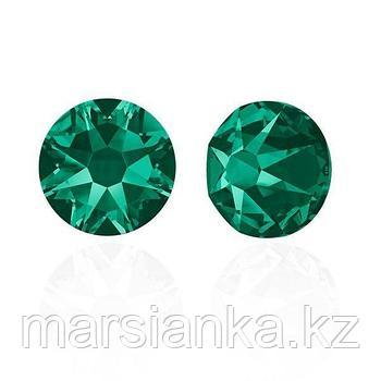 Swarovski Emerald ss5, 20шт.