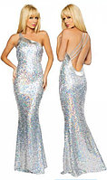 Серебристое блестящее длинное платье в пол из мишуры