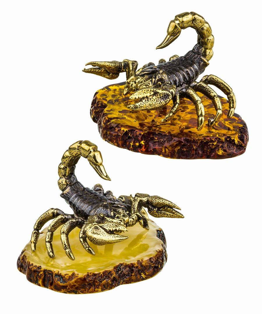 Сувенир Скорпион каменный на подставке. Сувениры из янтаря, ручная работа