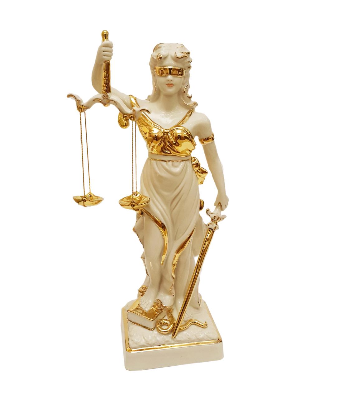 Фарфоровая статуэтка Фемида - богиня правосудия. Италия, ручная работа