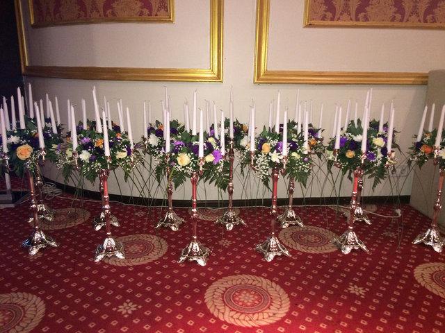 Канделябры (подсвечники) с живыми цветами. 7