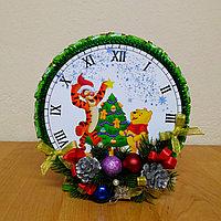 """Новогодние детские часы из конфет """"Винни и друзья"""", фото 1"""