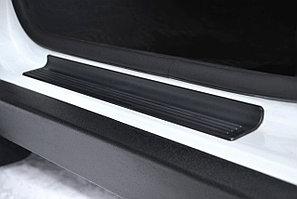 Накладка в проем передних дверей (черное тиснение) (ABS) RENAULT Duster 2012-