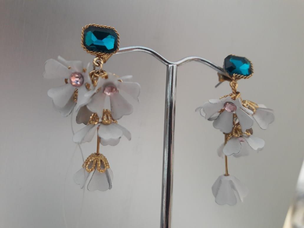 Волшебные серьги цветочки