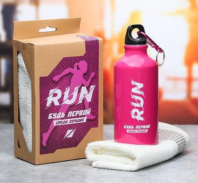 """Подарочный набор """"Run"""" из бутылки для воды (400 мл) и полотенца"""