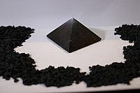 Пирамида полированная  из шунгита 4*4 см из Карелии