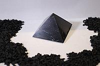 Пирамида полированная  из шунгита 6*6 см из Карелии