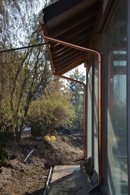 Медные водостоки AquaSystem и греющий кабель Devi смонтированы нашими специалистами, в г.Алматы.