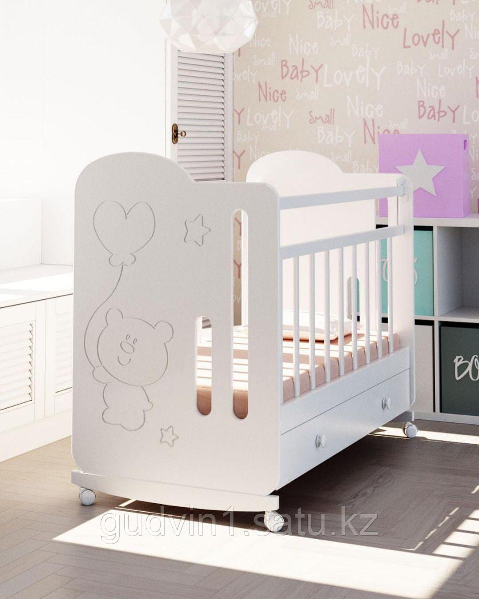 Детская кроватка ВДК Sweet Bear с маятником, с ящиком(белый,бел/венге,сл.кость)