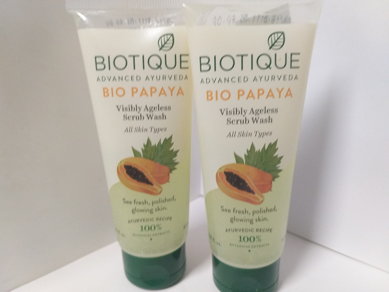 """Гель скраб для лица  омолаживающий """"Bio Papaya"""" Biotique. 100 мл"""