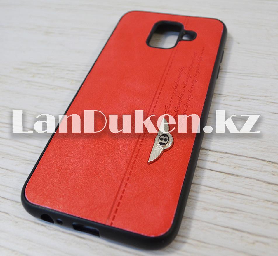 Чехол на Galaxy A6 2018 (Samsung Galaxy A6 2018) кожзам красный принт бентли - фото 2