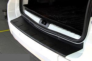 Накладка на задний бампер (черное тиснение) (ABS) NISSAN Terrano 2014-