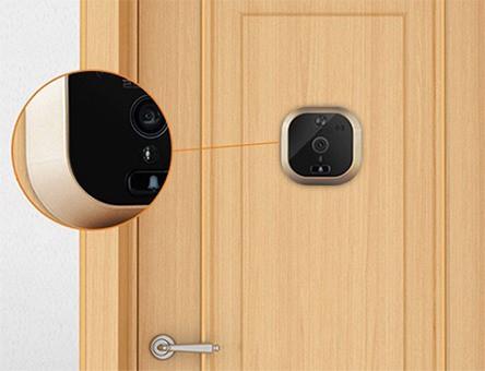 Датчик движения позволяет видеоглазку автоматически реагировать на приближение людей к входной двери