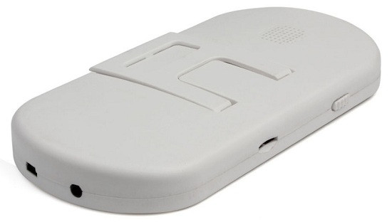 Наличие стандартного USB-порта делает повседневную эксплуатацию данного устройства максимально комфортной (нажмите на фото для увеличения)